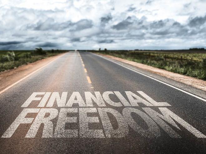 Portada carretera Financial Freedom - Independencia Financiera